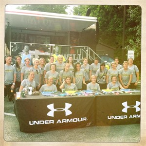 2013 Aussie Women signing autographs at UA All-American Games